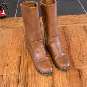 Old Navy size 4 girls boots Worn once!